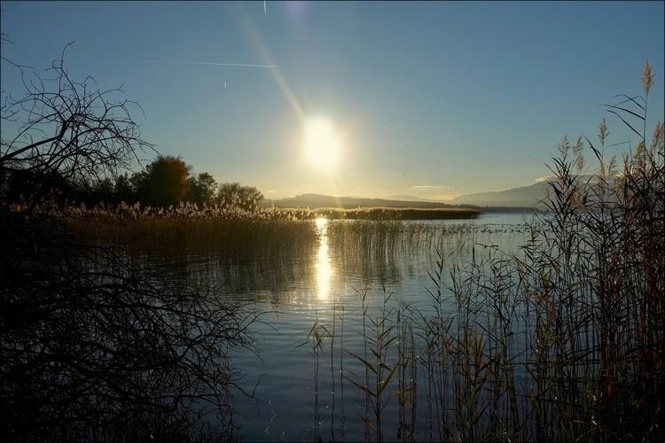 Soleil couchant sur le lac